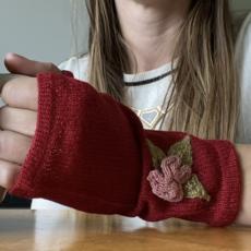 Ella Ember Baby Alpaca Winter Flower Wrist Warmer: Red