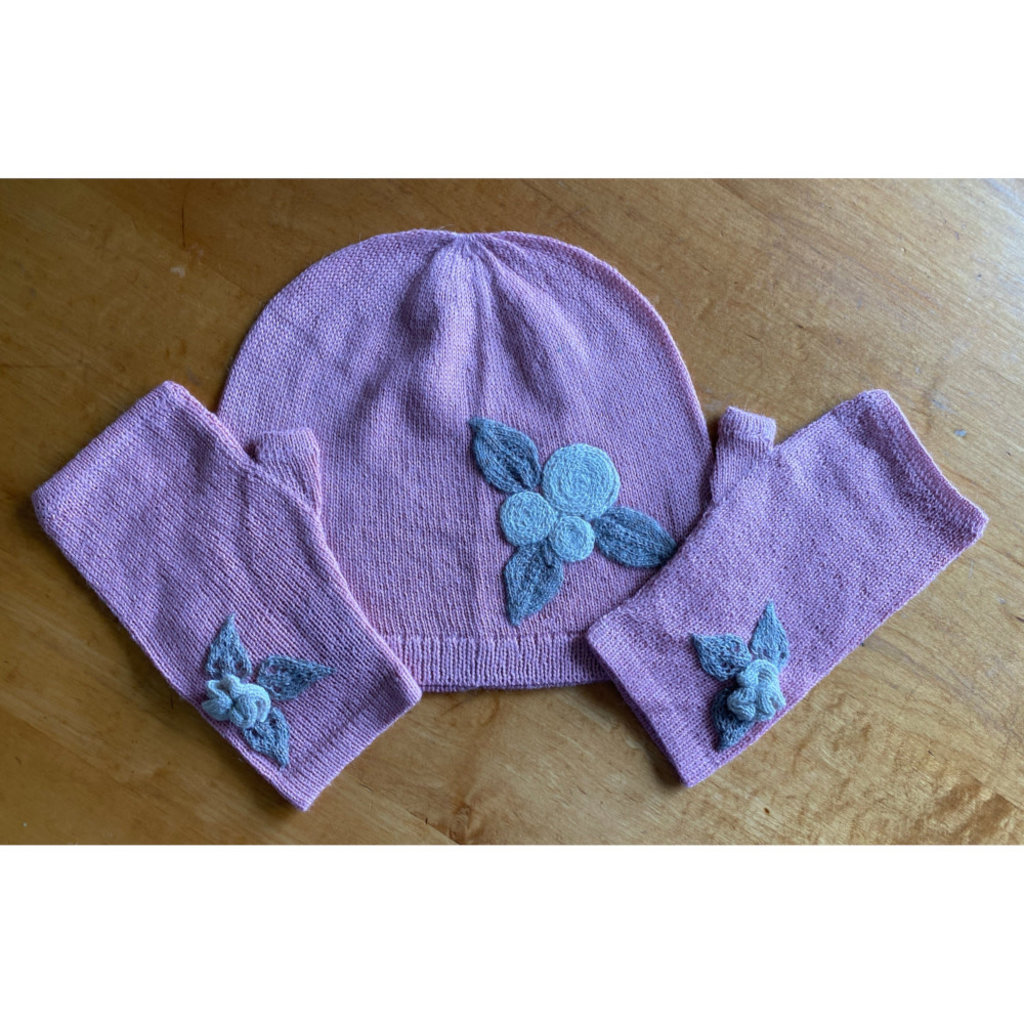 Ella Ember Baby Alpaca Winter Flower Wrist Warmer: Baby Pink