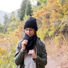 Andes Gifts Milkshake Alpaca Infinity Scarf: Black