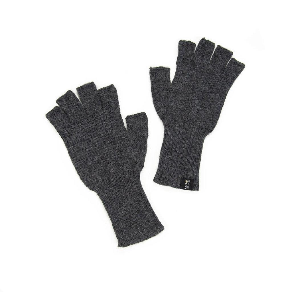 Minga Imports Gelid Alpaca Blend Fingerless Gloves Charcoal