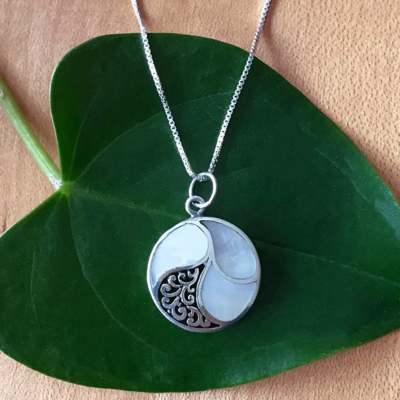 Women's Peace Collection Mother of Pearl Round Sterling Silver Necklace