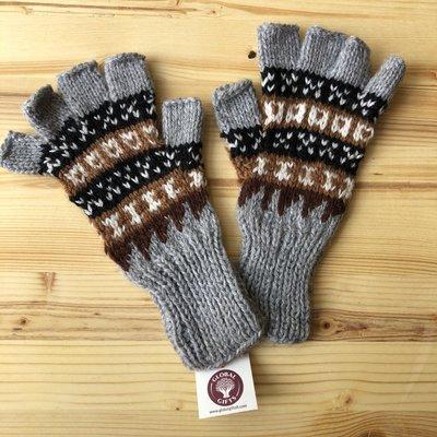 Minga Imports Fleur Alpaca Blend Fingerless Gloves Light Grey