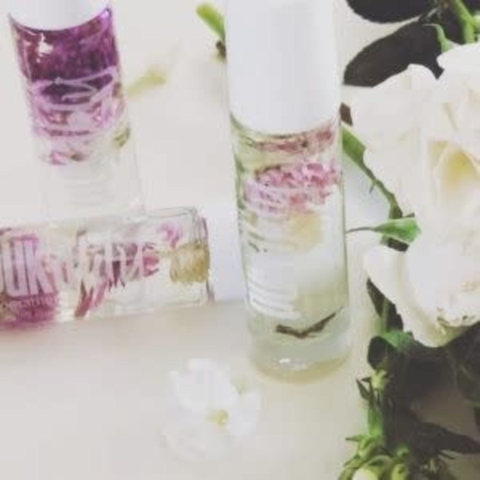 PUKALILY AROMATHERAPY FLORAL ROLLERBALL