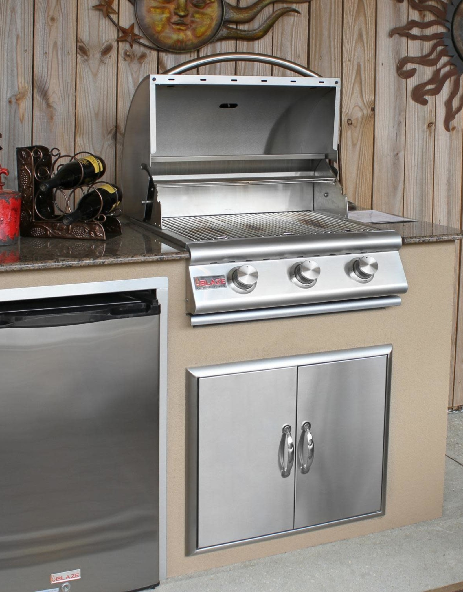 Blaze Outdoor Products Blaze  25-Inch 3-Burner Built-In Propane Gas Grill