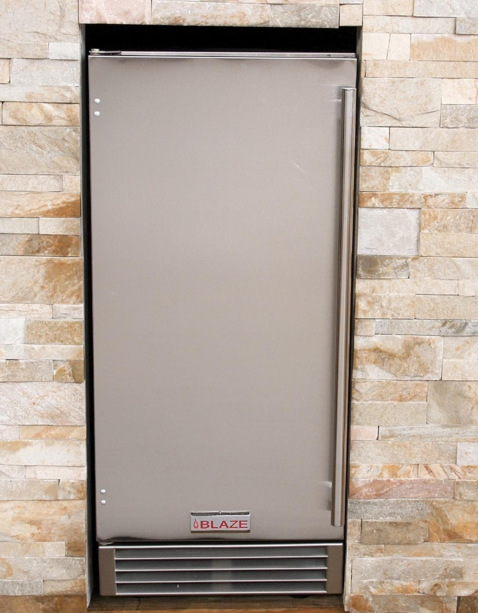 Blaze Outdoor Products Blaze 50 Lb. 15-Inch Outdoor Rated Ice Maker With Gravity Drain - BLZ-ICEMKR-50GR