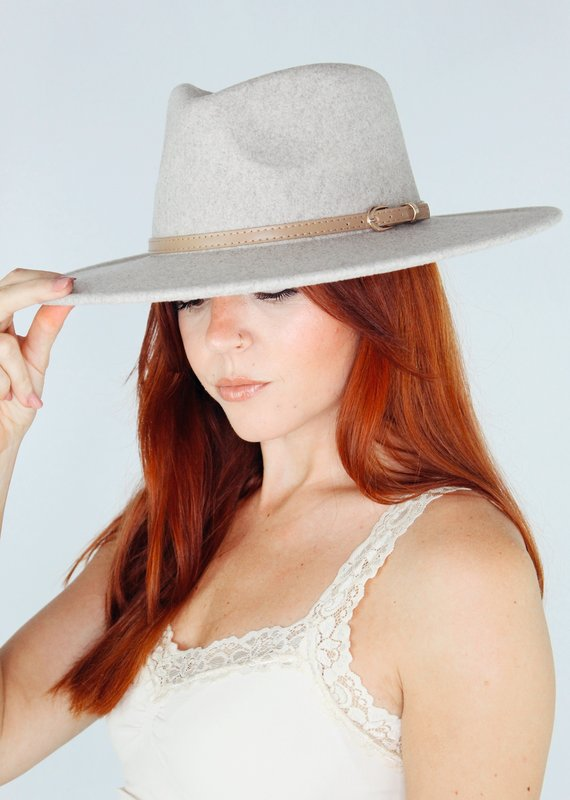 Jeanne Simmons Feels Right Fedora