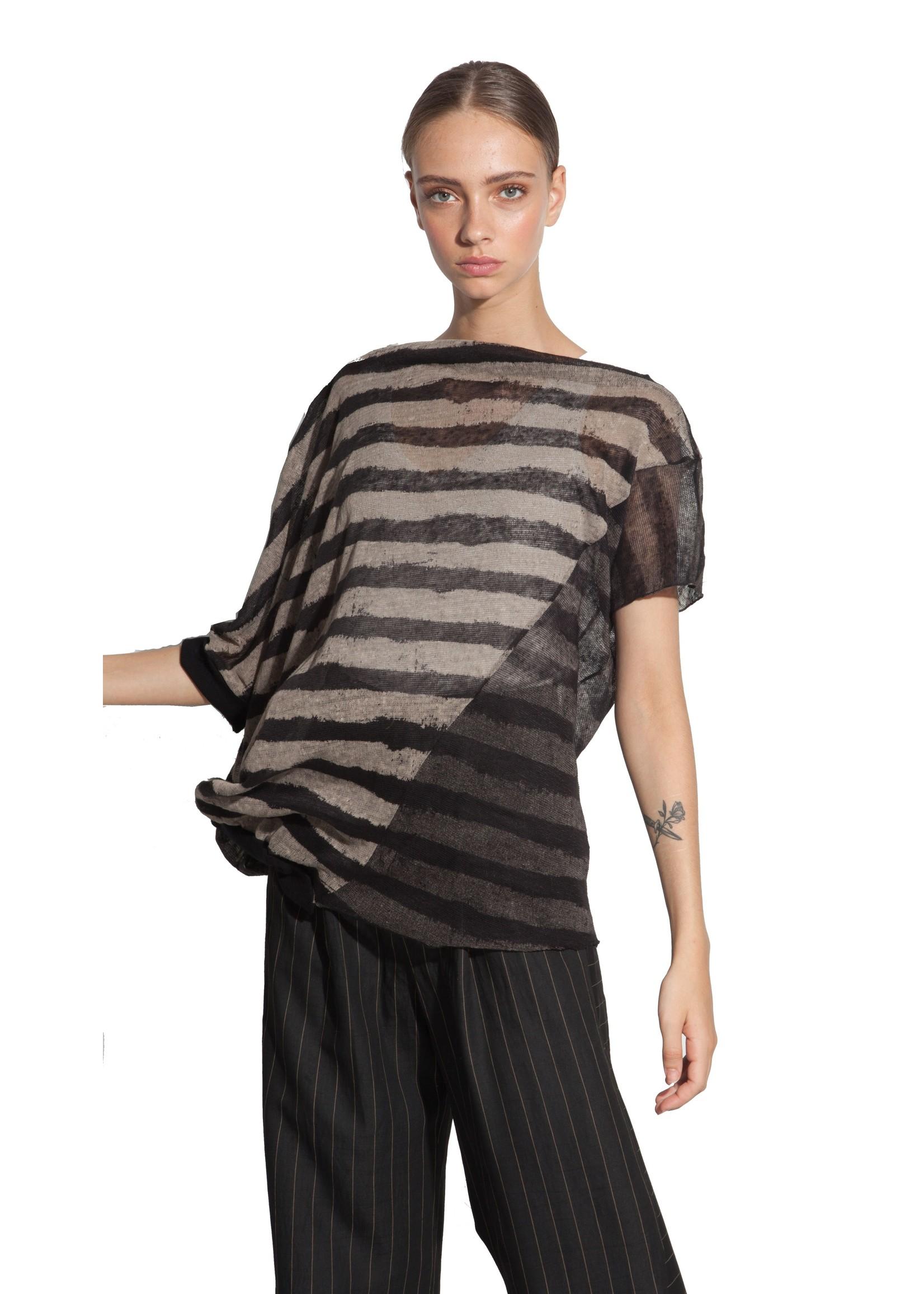 OZAI hostess stripe top