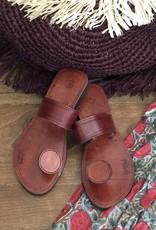 button toe slipper