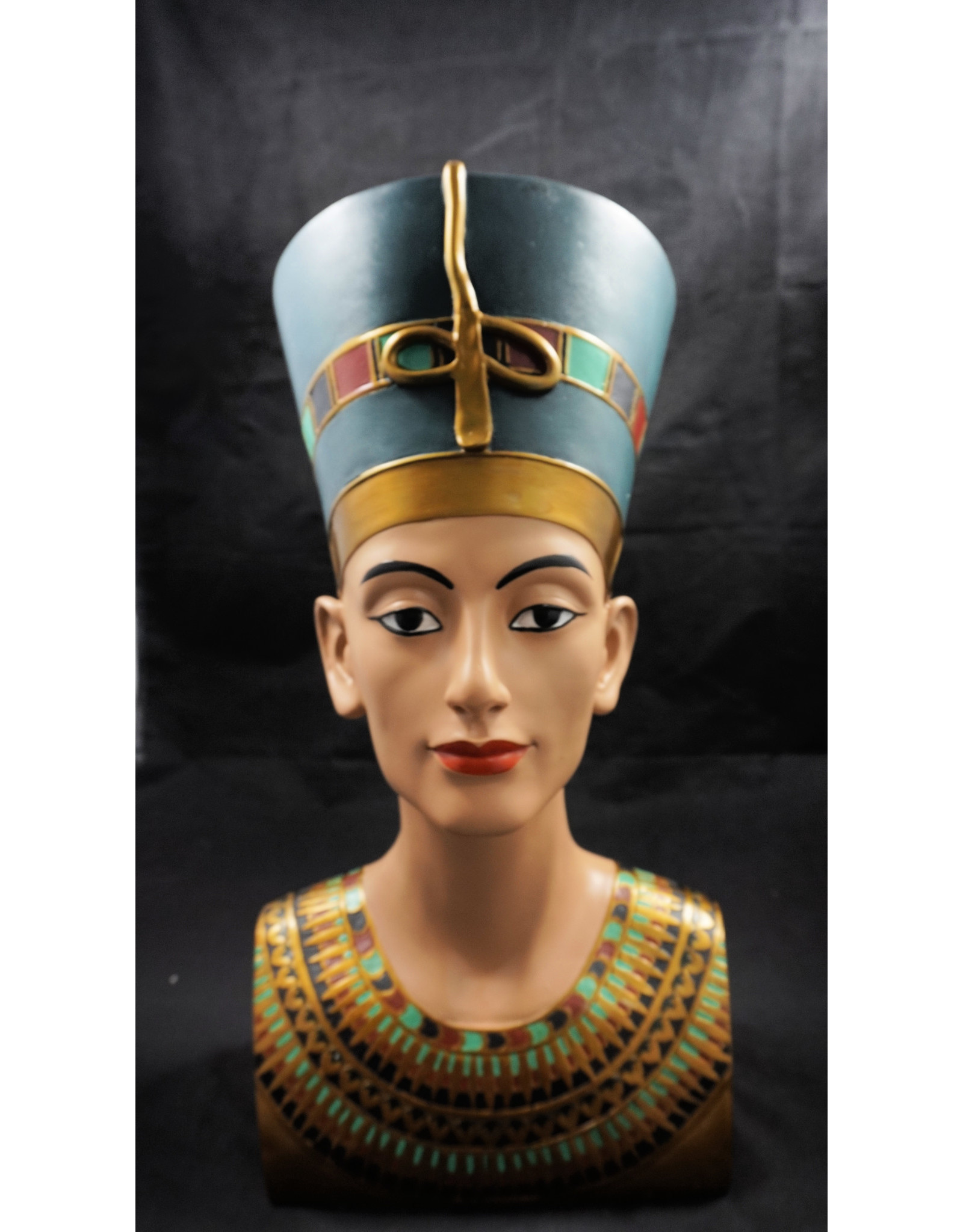 Egyptian Statue - Nefertiti