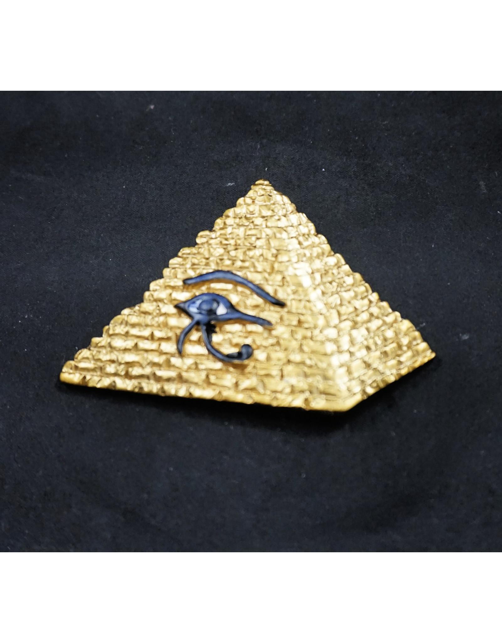 Pyramid Eye Magnet