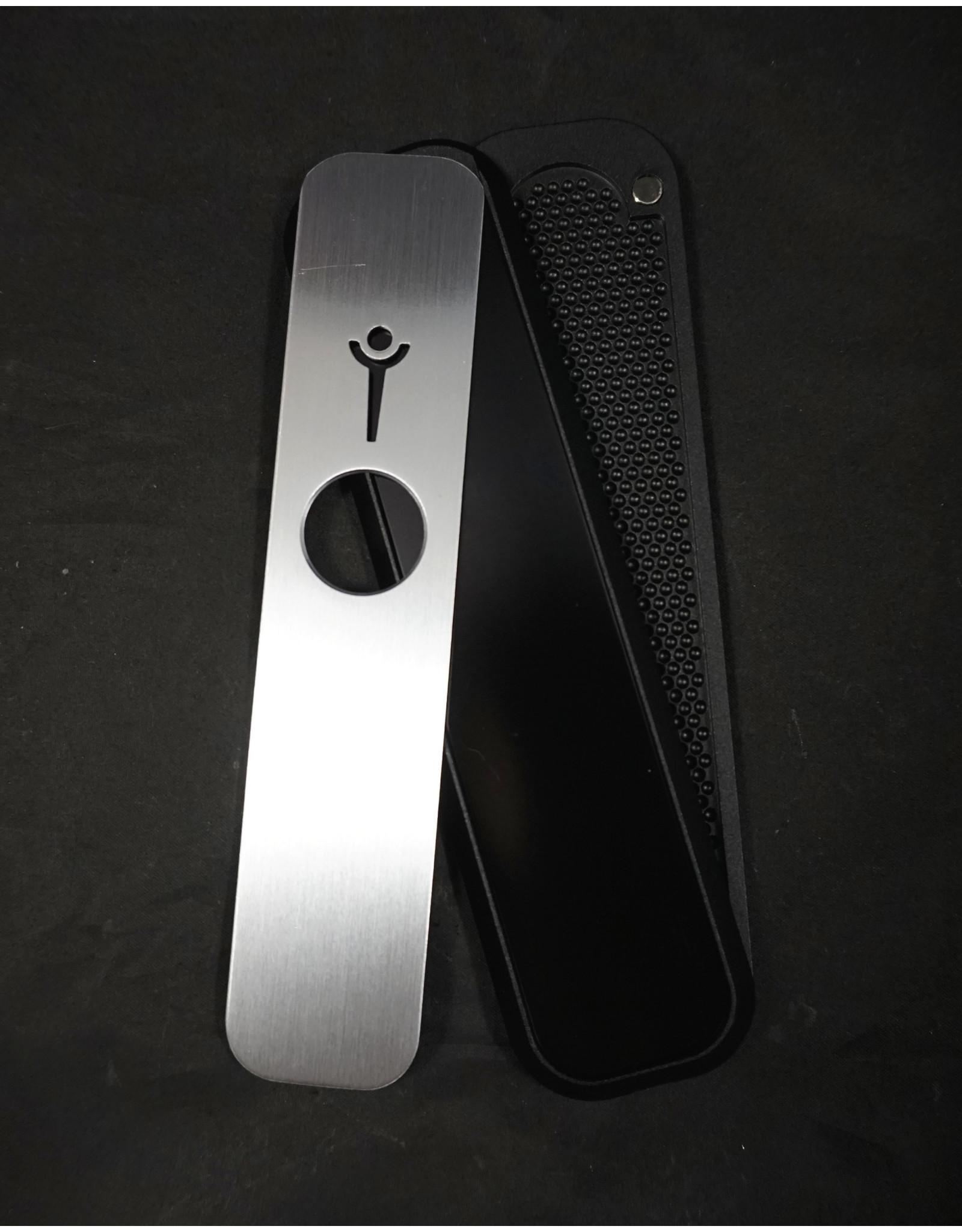 Genius Pipe - Top Secret Black and Silver