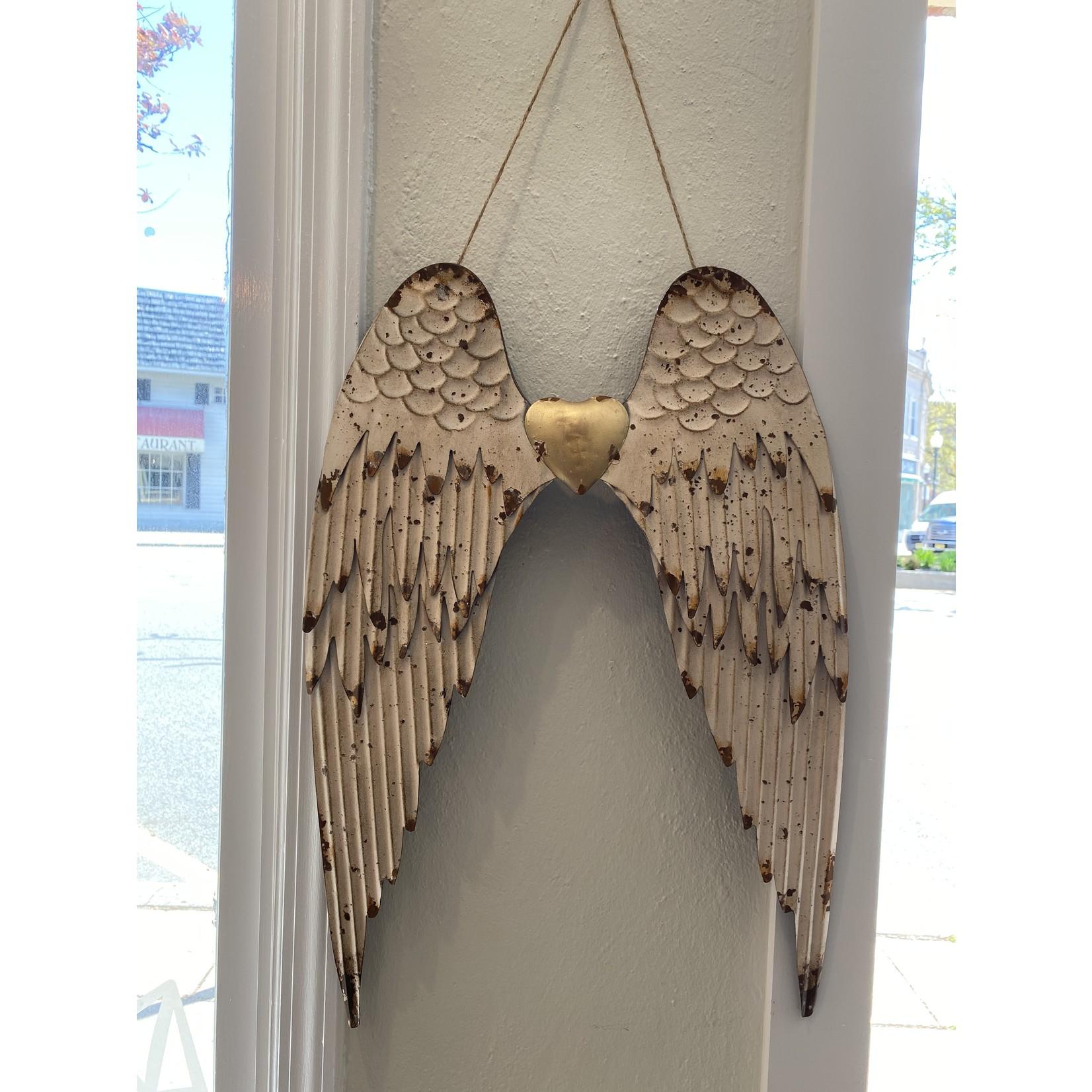 Angel Wing Hang metal with heart