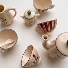 konges Sløjd Tea Set - Multi