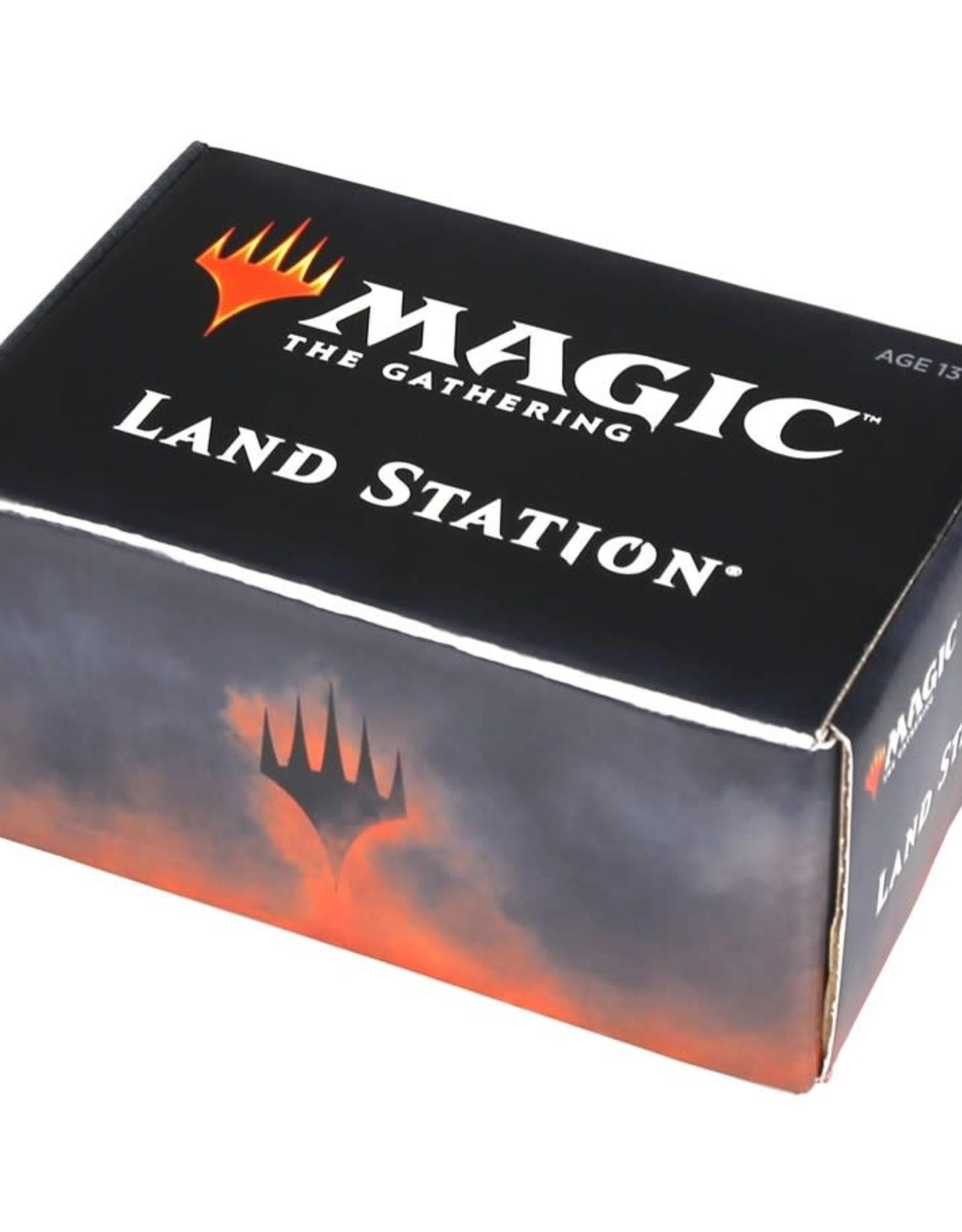 Wizards of the Coast MTG Land Station Core Set 2020