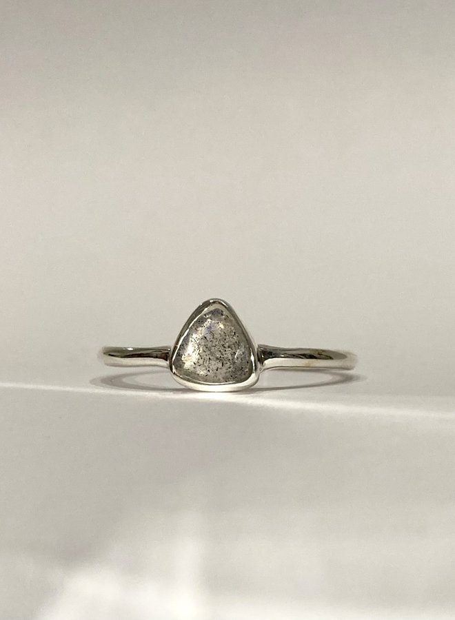 Spritely Triangle Ring
