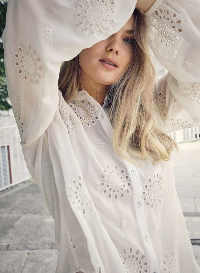 Viben Embroidered Blouse