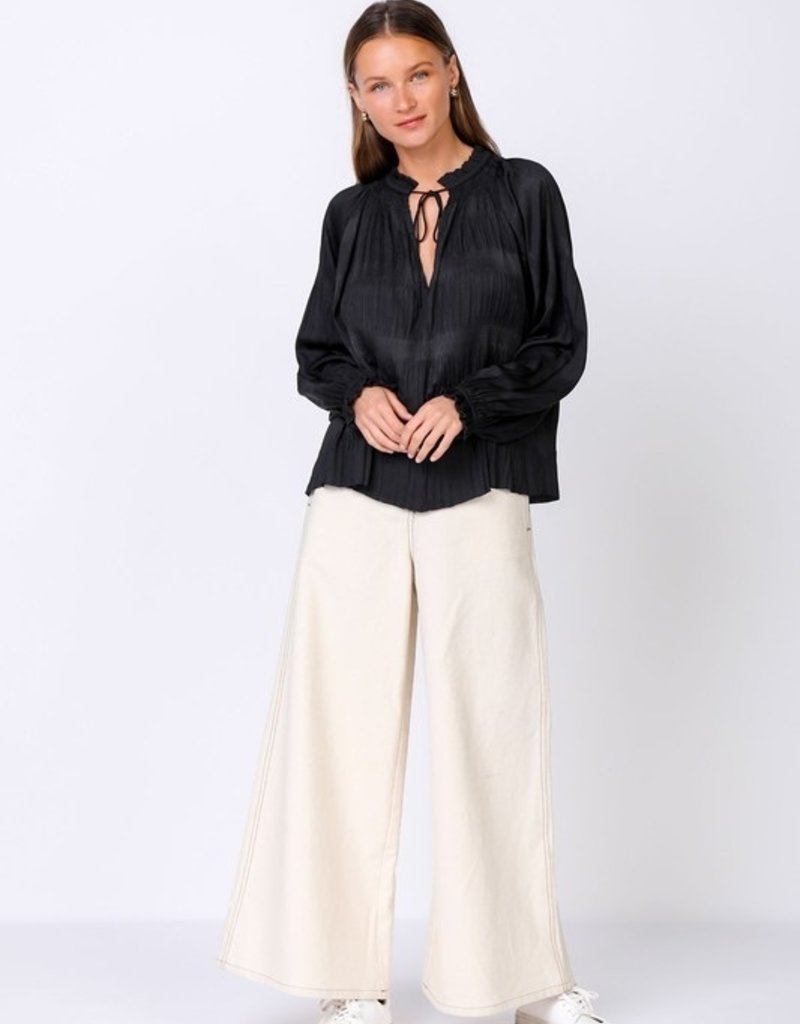 current air lslv pleated top