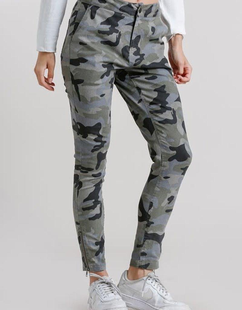 wildflower camo pant zip bottom