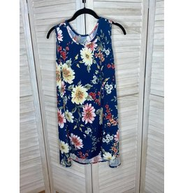 Acting Pro Acting Pro Plus floral sleeveless top wside slit