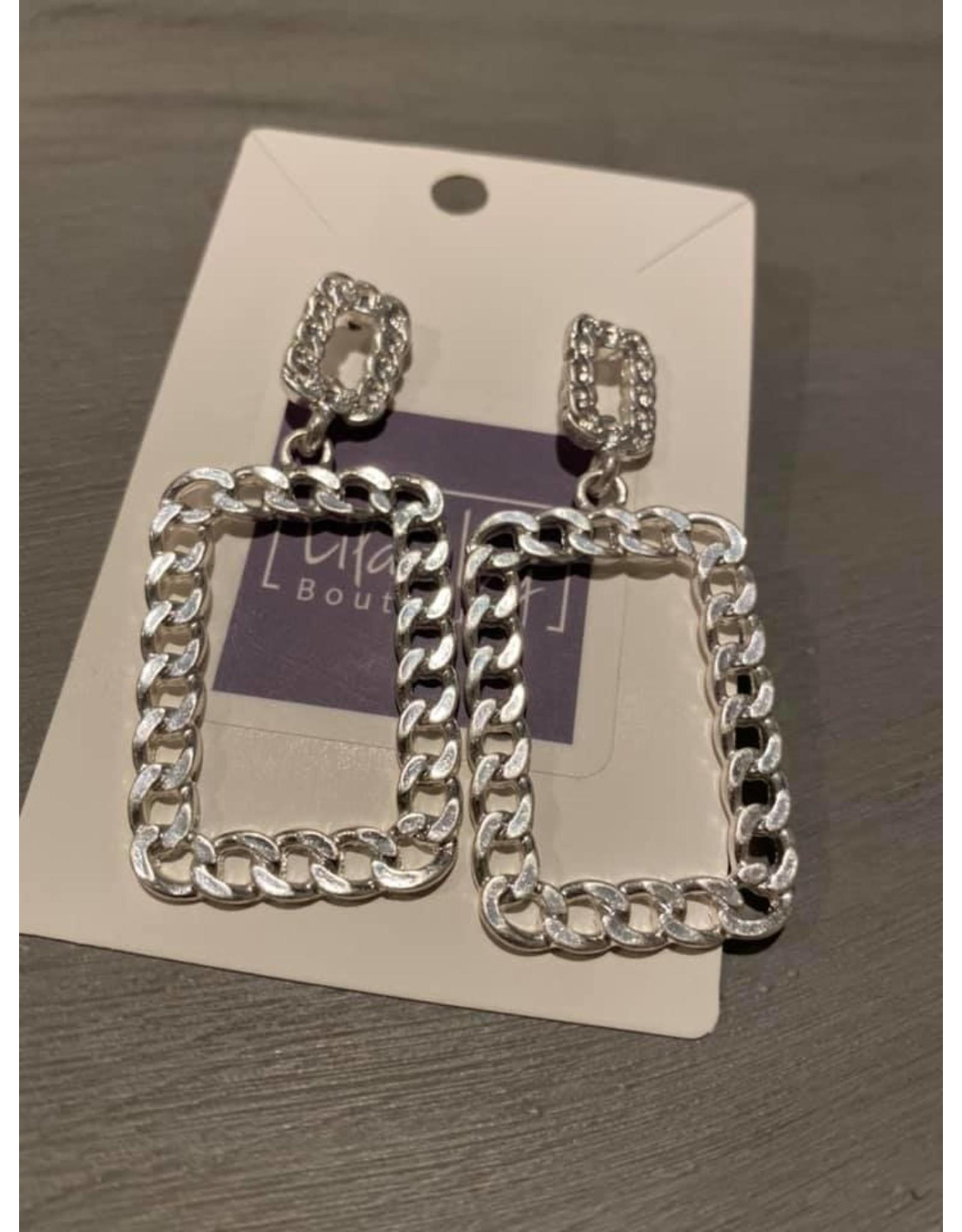 Silver chain link dangle earrings
