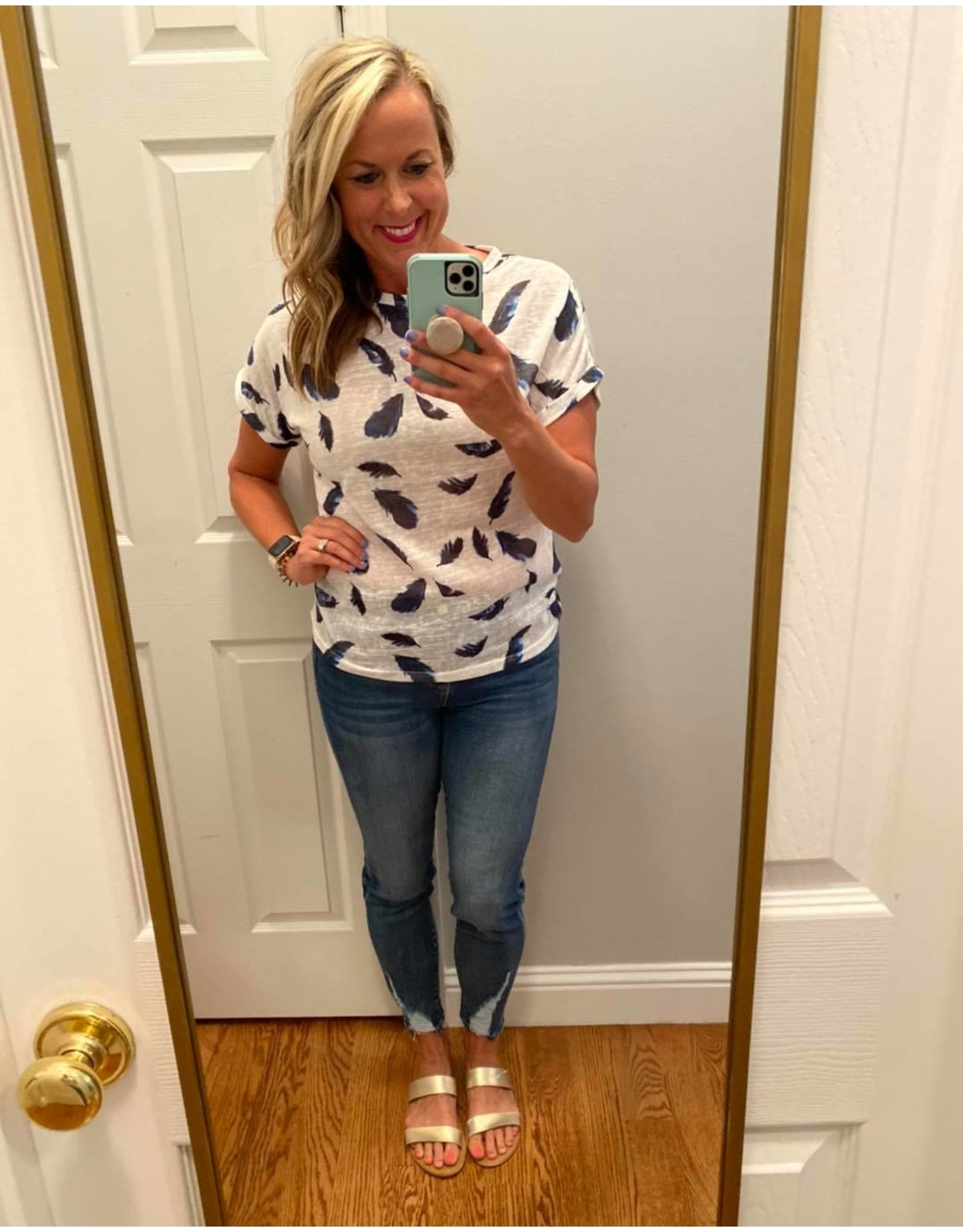 Shewin Short sleeve feather top