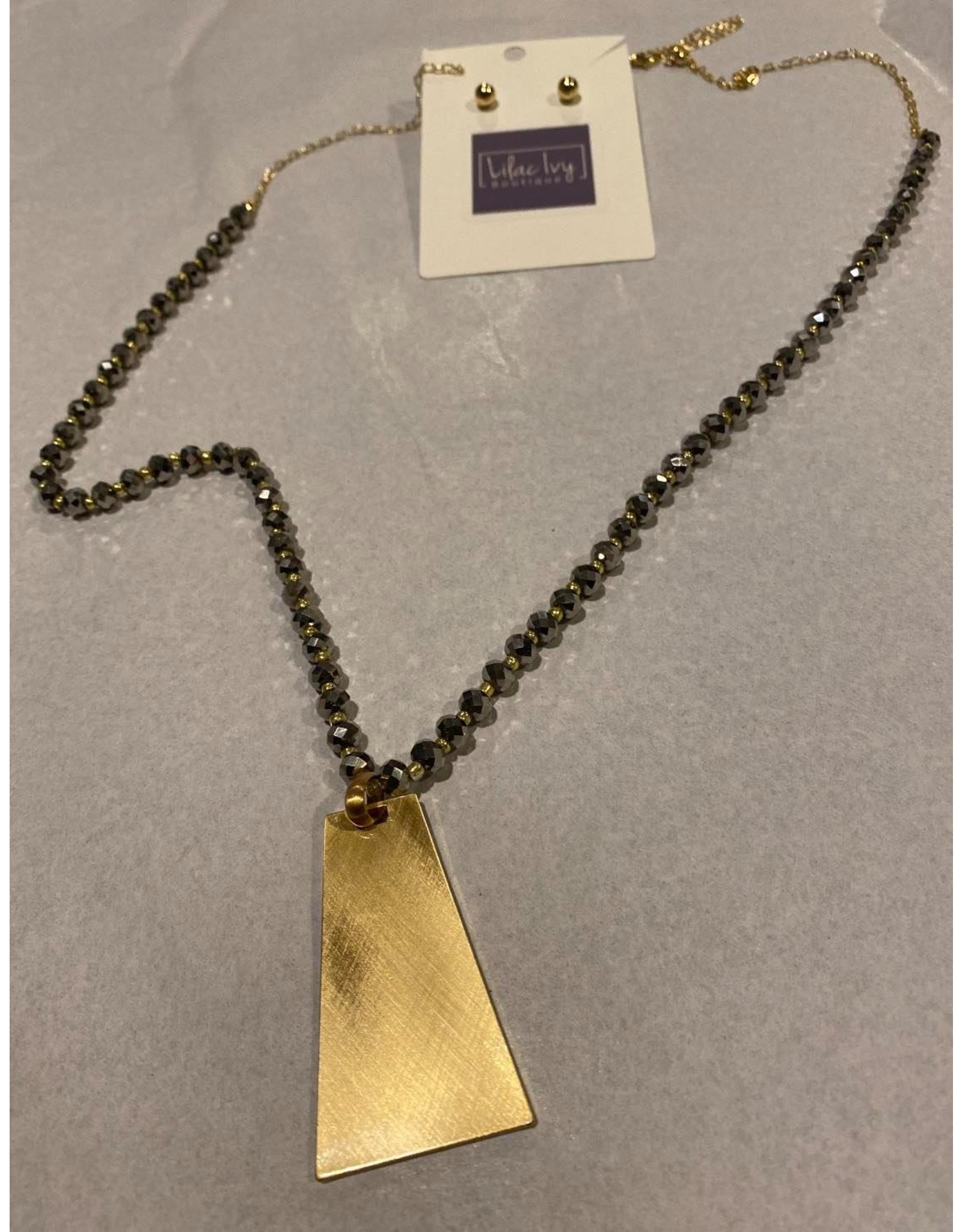 What's Hot Grey natural stone with gold hexagon drop necklace