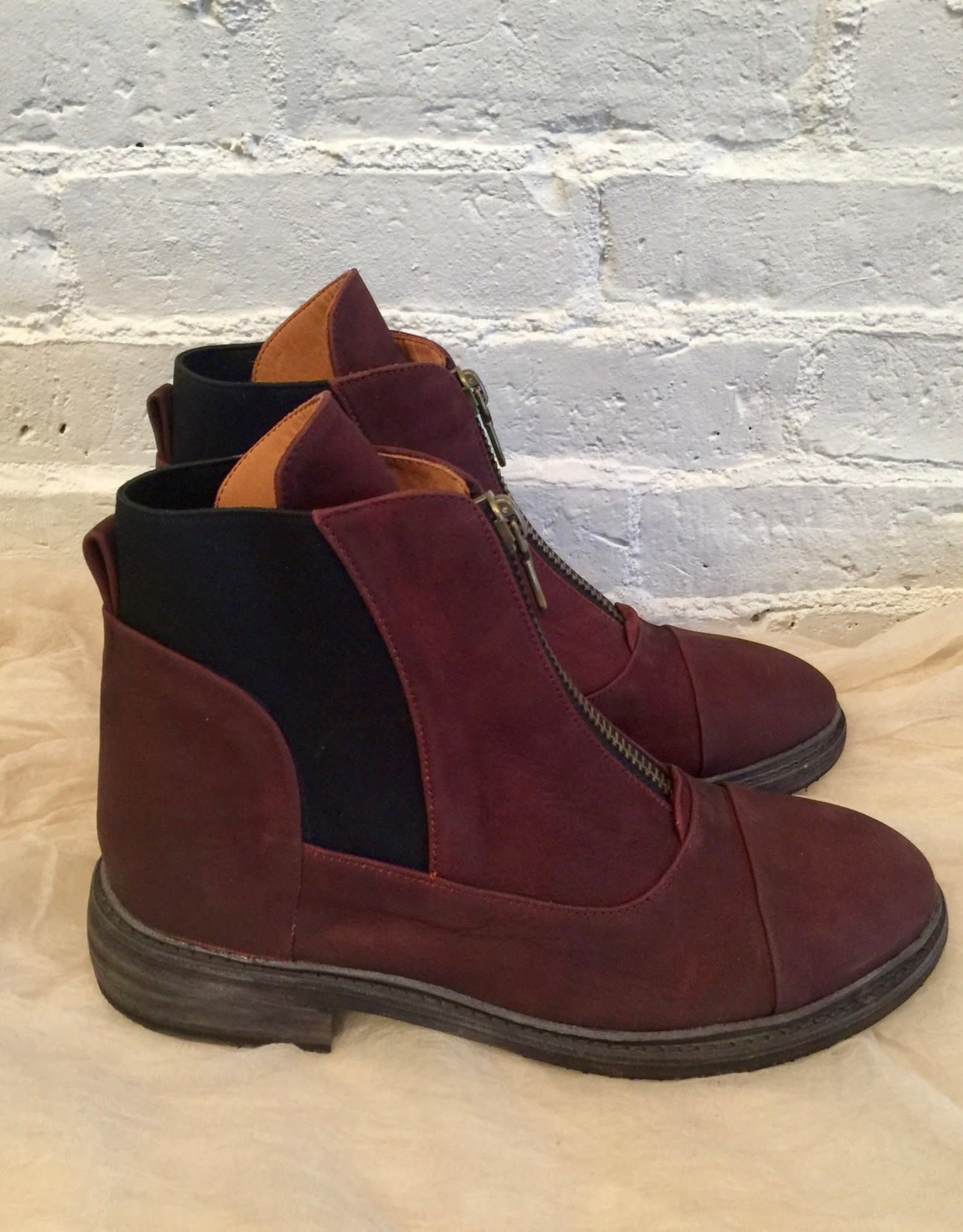 P. Monjo Ox Blood Clos Boot