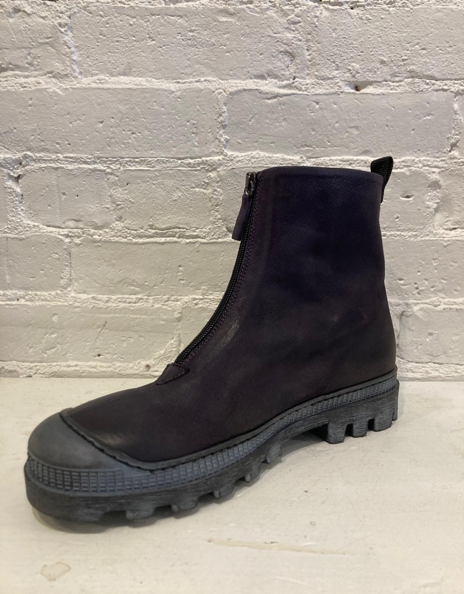 Lofina Lofina:  Zip Front Black Pellame Boot