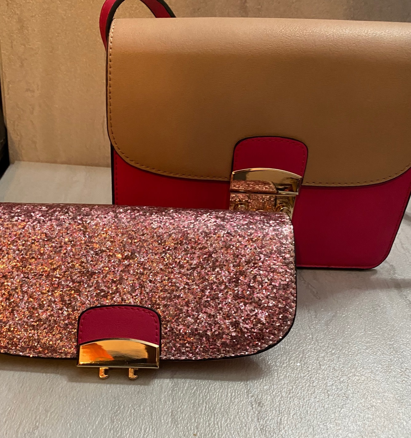 Purse with Interchangeable flaps