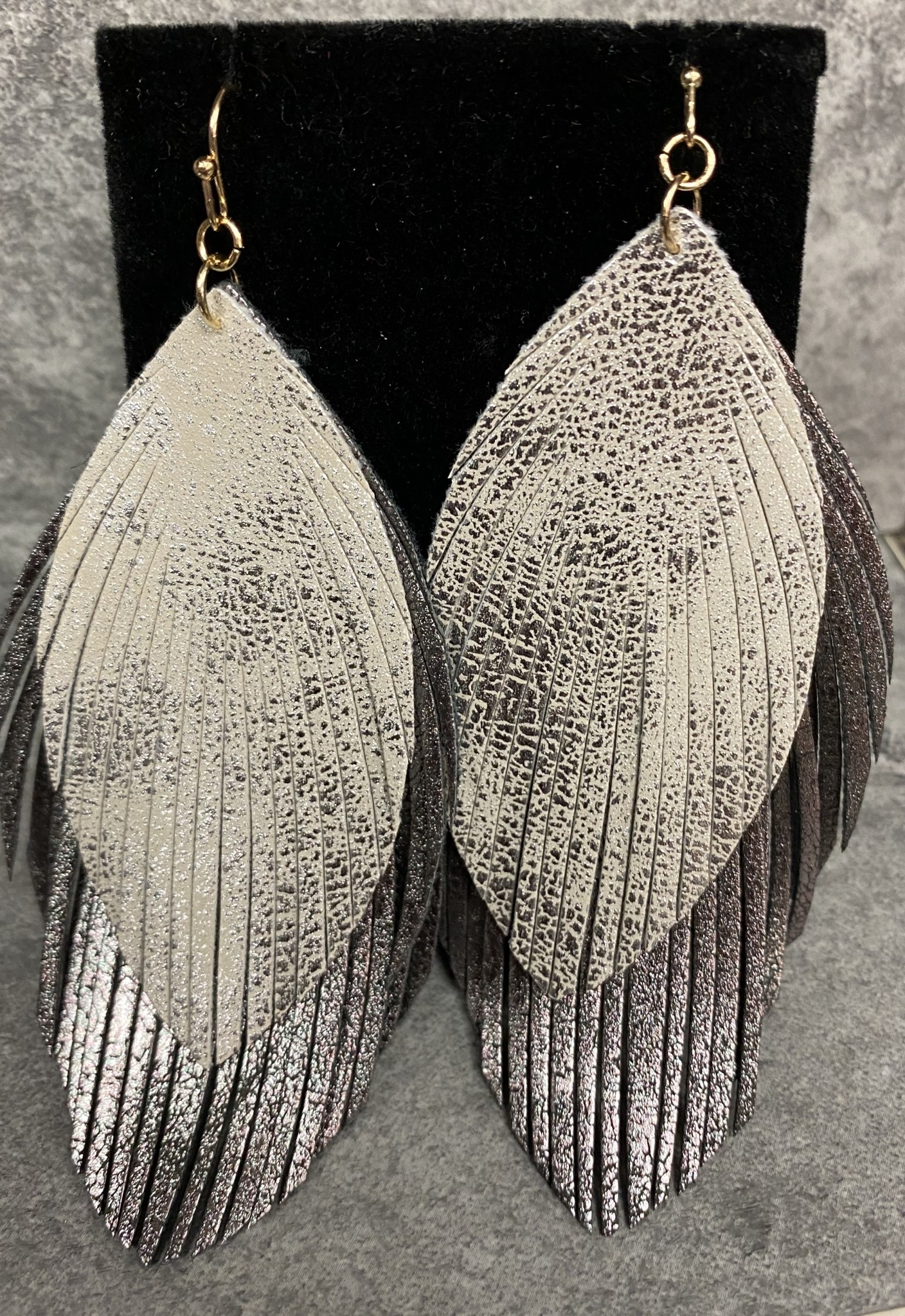 HEMATITE/SILVER DOUBLE LEAF(GOLD)