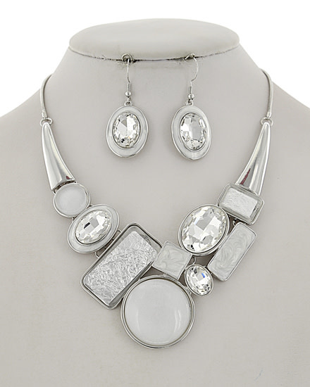 NECKLACE & EARRING SET - SILVER/WHITE