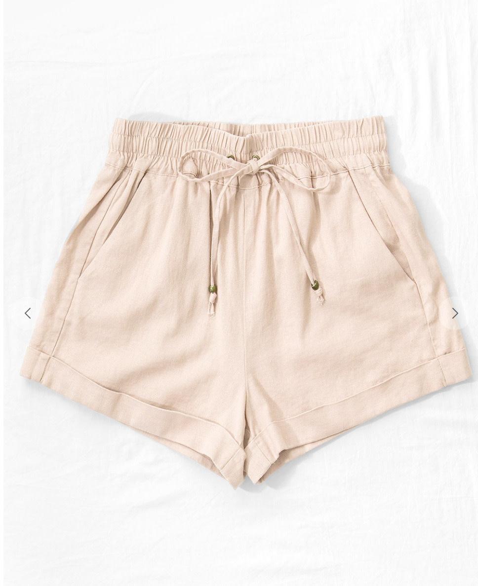 Linen waistband shorts w adjustable string tie