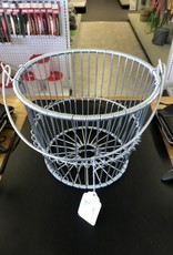 Metal Peck Basket