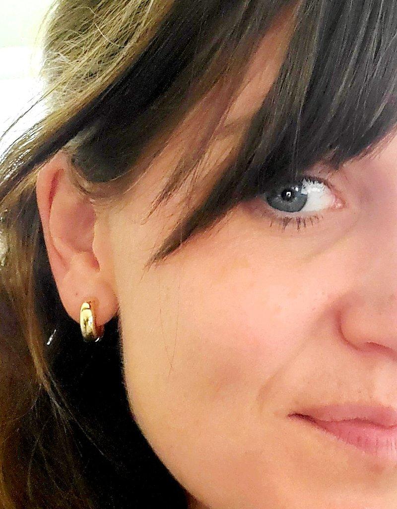 LDayDesigns Wide Ear Hug