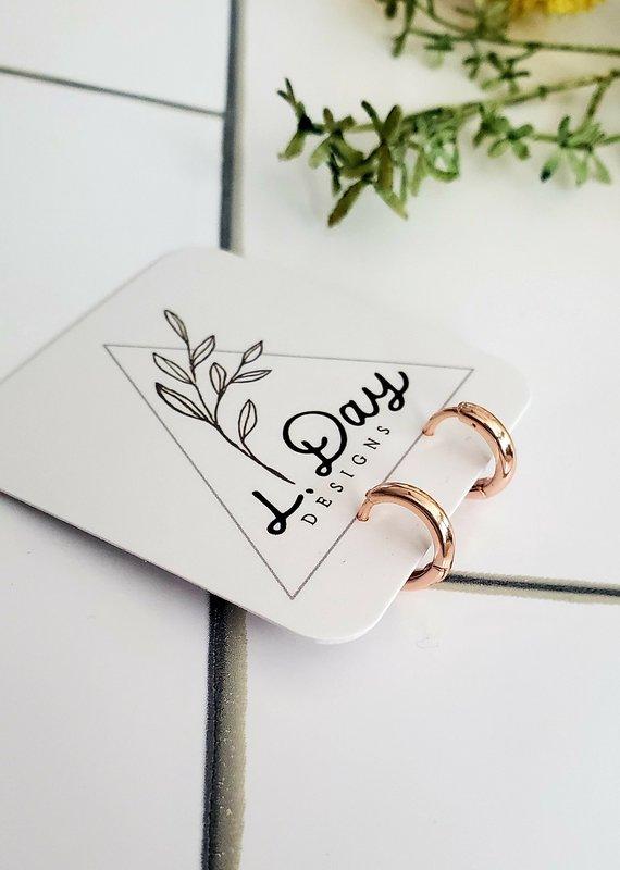 LDayDesigns Mini Rose Ear Hug