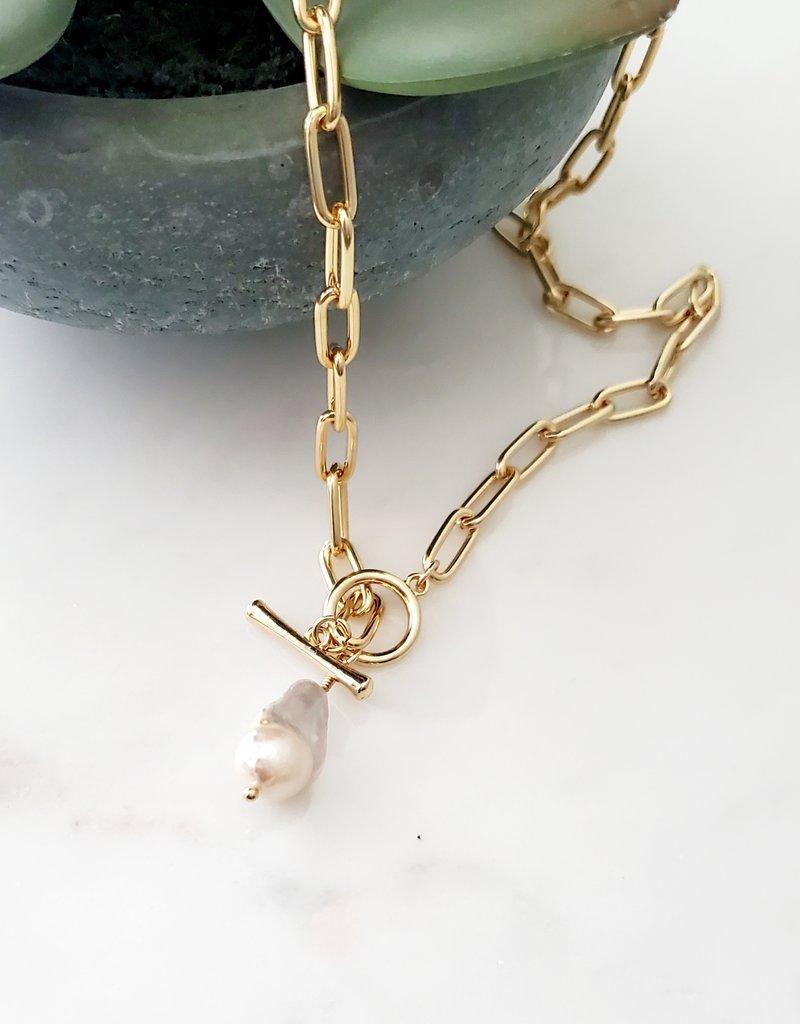 LDayDesigns Pearl Toggle Necklace