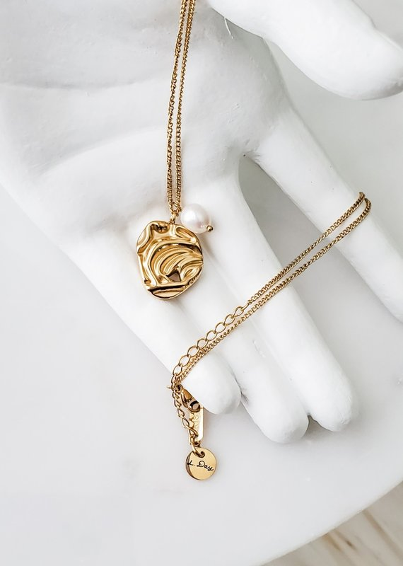 LUX Pearl Relic Necklace