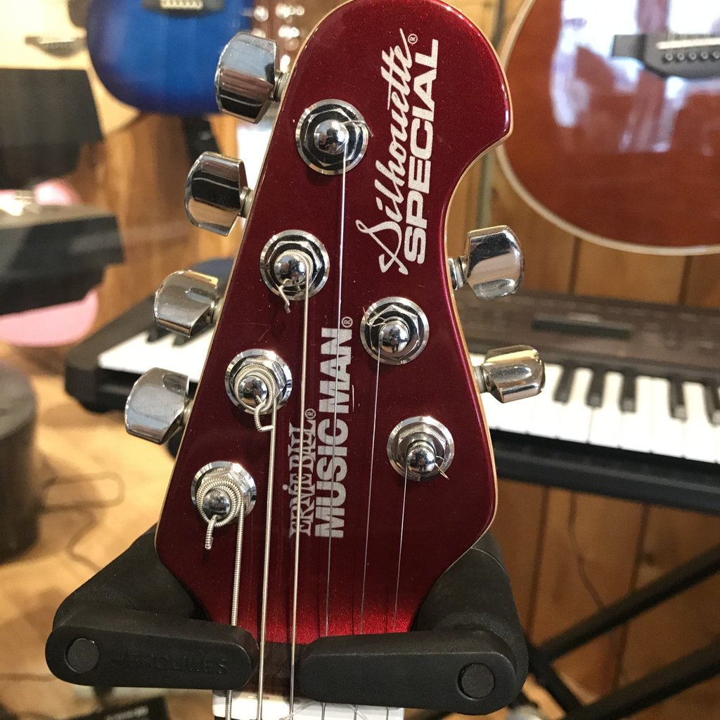 Consignment Ernie Ball Silhouette Special Red