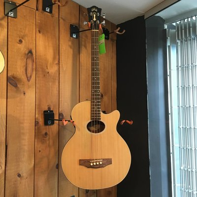 Consignment Guild B4CE-Nat Acoustic Bass w/Hard Case