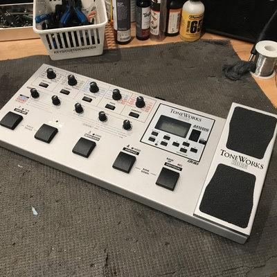 Korg Used Korg AX1000 Guitar Signal Processor