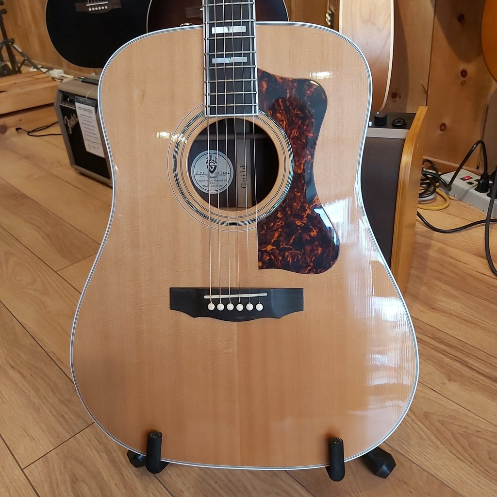 Consignment / Used Guild D55 Acoustic Gtr - 2009 Made in USA (New Hampshire) with Case