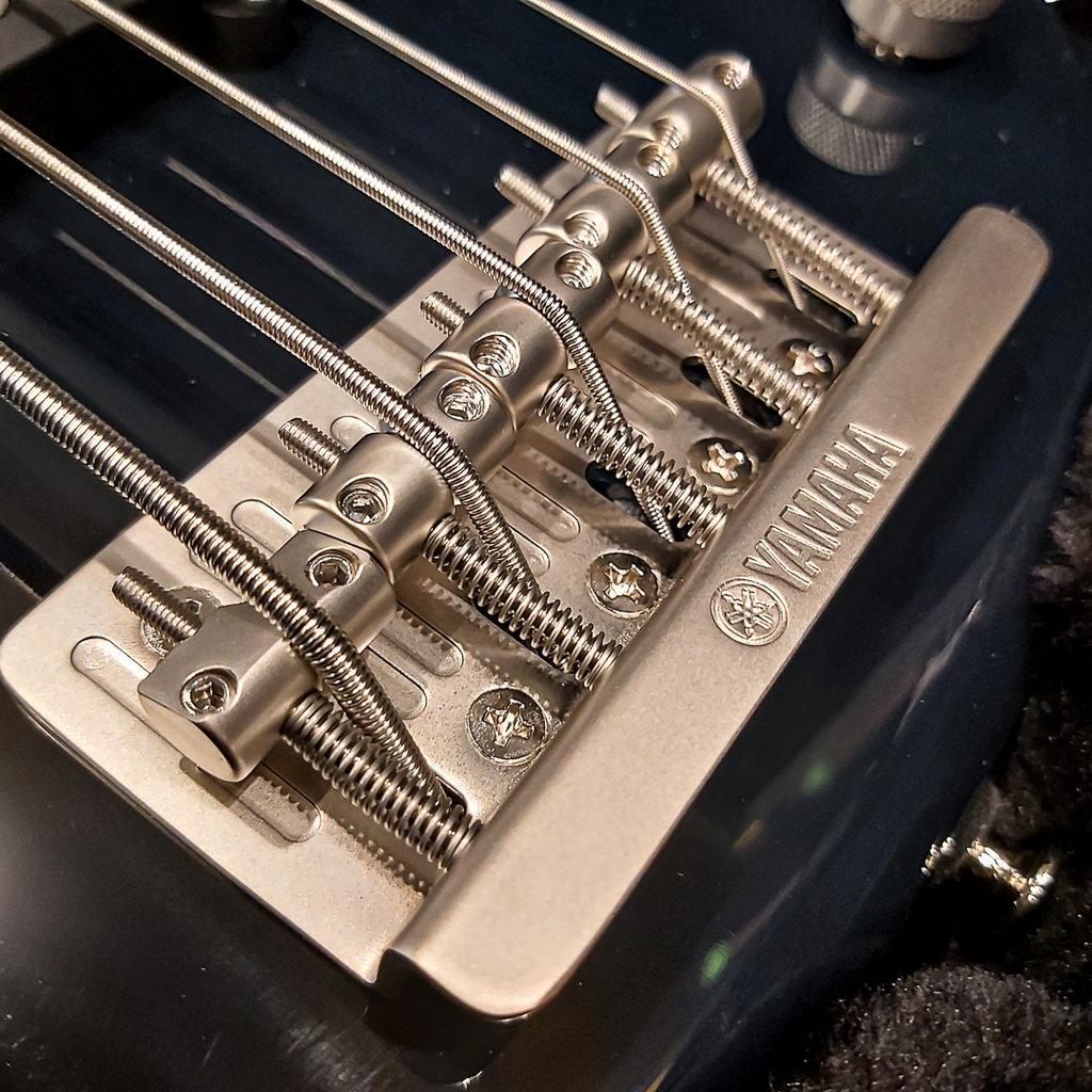 Yamaha Yamaha BBP-35 5 String Bass Midnight Blue - Made in Japan