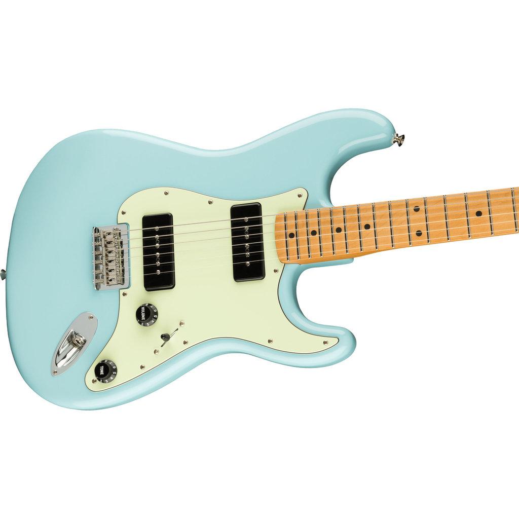 Fender Fender Noventa Stratocaster Guitar Daphne Blue