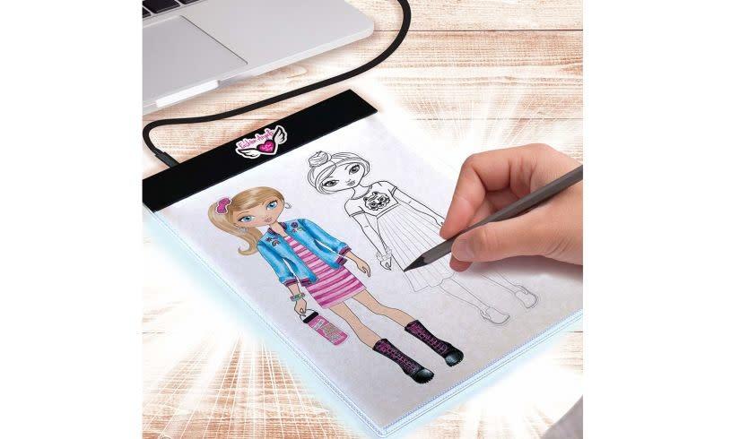 Kit/Fashion Design Light Up Sketch-2