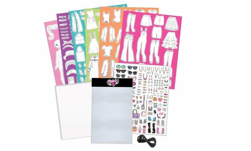 Kit/Fashion Design Light Up Sketch-3