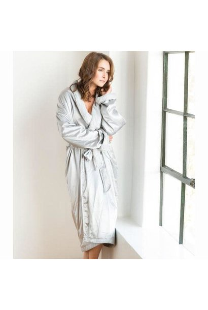 LG Adult Robe Luxe Satin in Silver Size 0