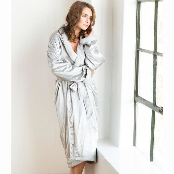 LG Adult Robe Luxe Satin in Silver Size 0-1