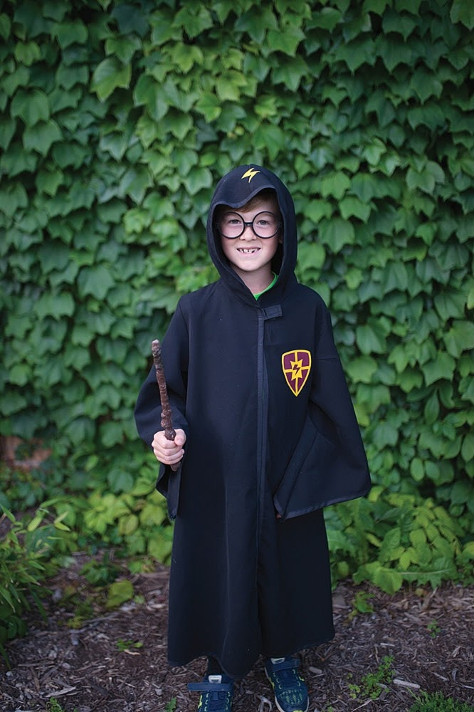 Wizard Cloak & Glasses  Size 5-6-4