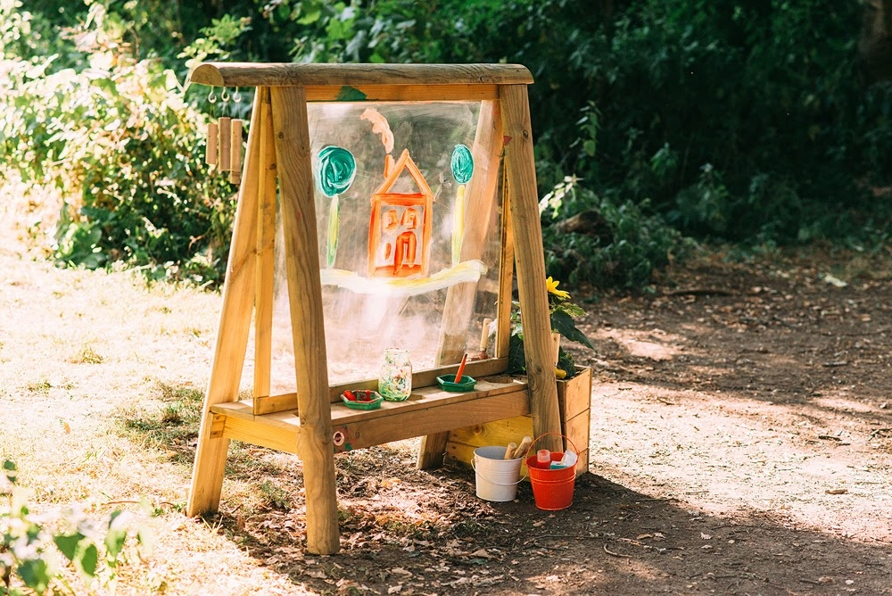 Plum Discovery Create & Play Easel-4