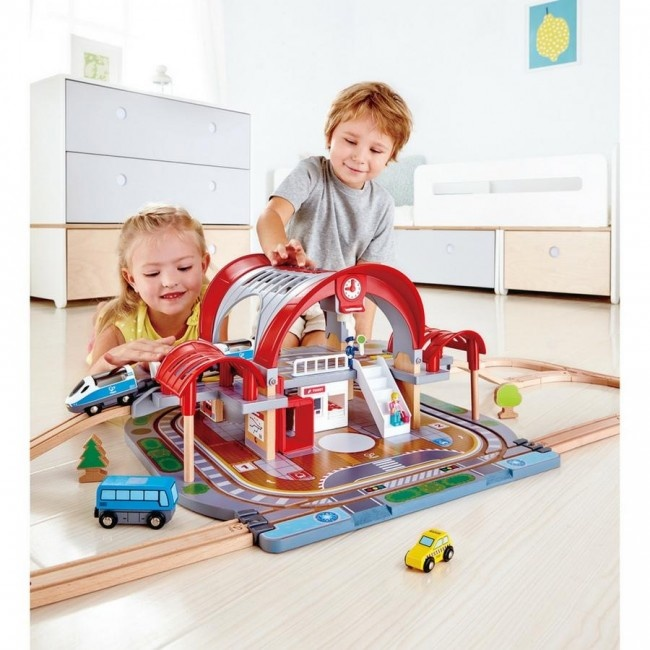 Hape Train Grand City Station-1
